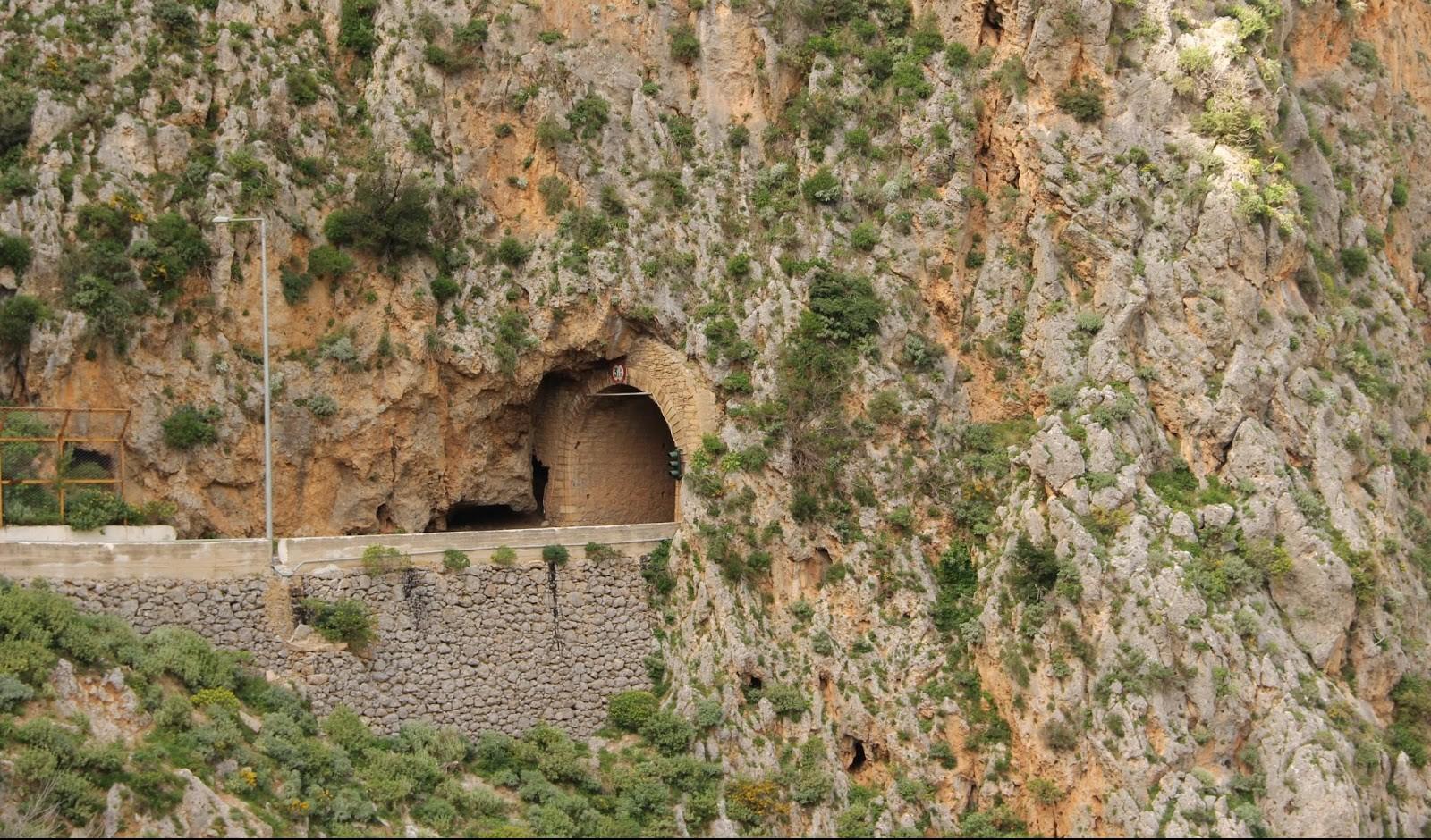 Topolia Tunnel